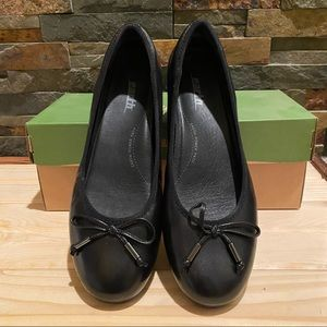 """EARTH • """"Alina"""" Black Leather Ballet Flats -Size 9"""